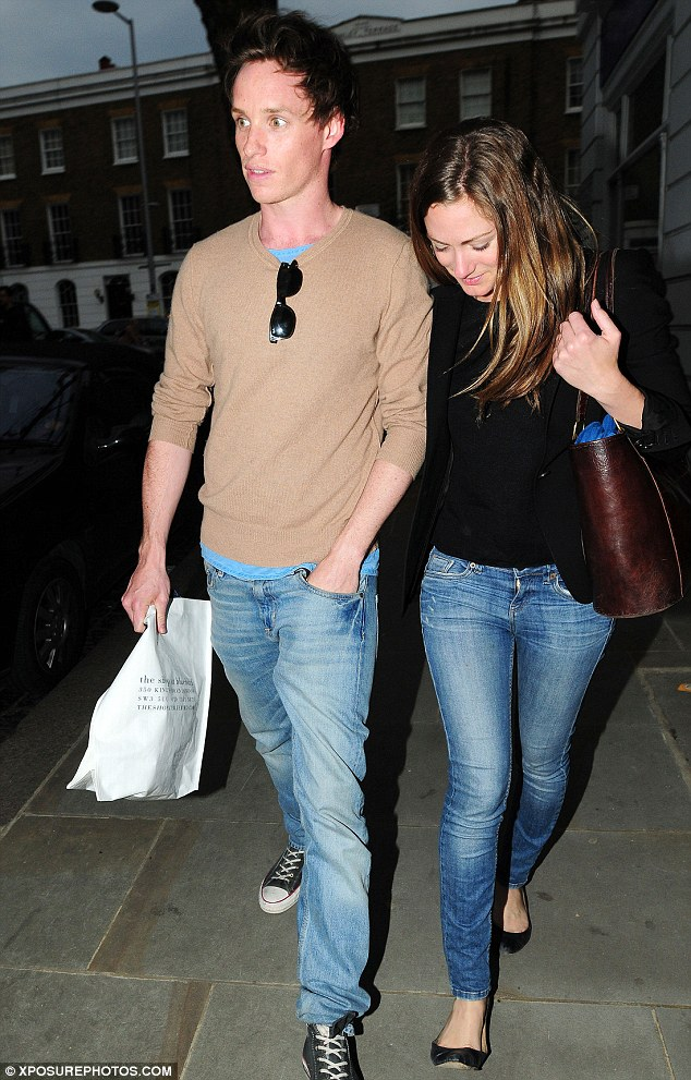 Amanda seyfried and eddie redmayne dating 6